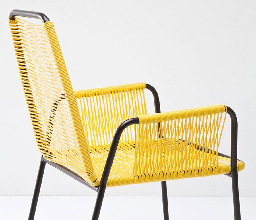 CHAIR WITH ARMREST WICKER | Minimalistická stolička s farebným výpletom