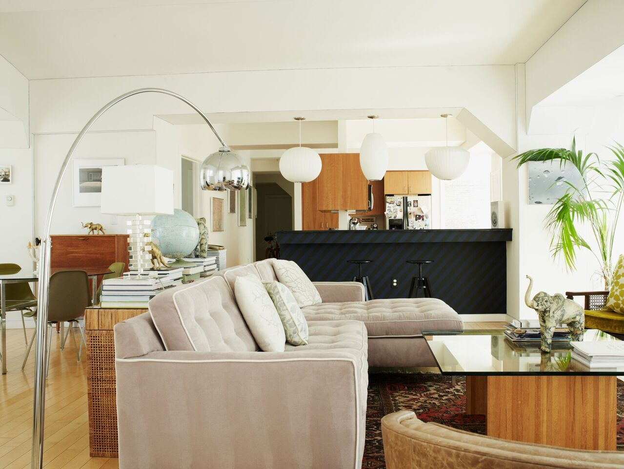 House Tour: An Elegantly Collected Apartment in the East Bay