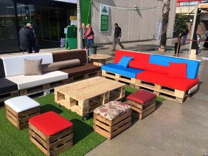 Furniture With Pallets In Leroy Merlin Spain Pallet Projects Furniture Pallet Patio Furniture Pallet Furniture