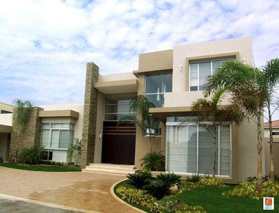 Alar constructora 30 fachadas de casas modernas y for Fotos de jardines de casas modernas