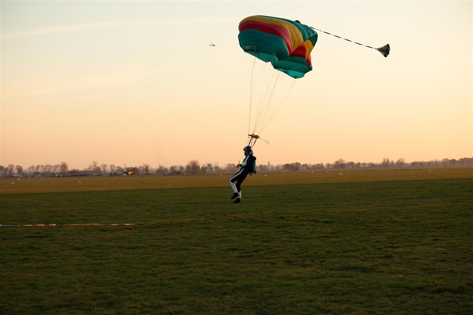 872a6900 large sky dive parachute hilversum