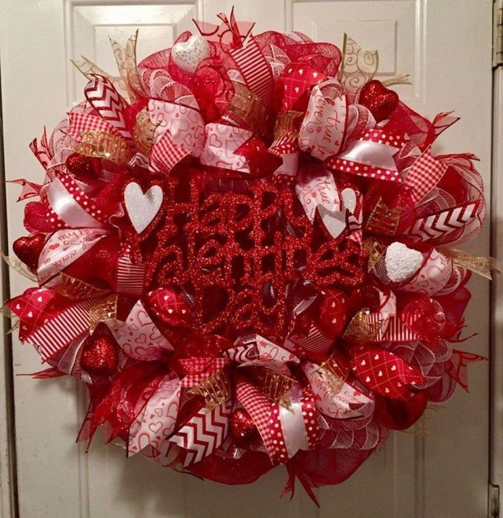 32 Lovely Valentine Day Wreaths For Your Home Decoration Valentine Day Wreaths Diy Valentines Day Wreath Valentine Mesh Wreaths