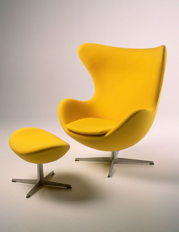 2 egg chair by arne jacobsen 1958 just sit on yellow history of design. Black Bedroom Furniture Sets. Home Design Ideas