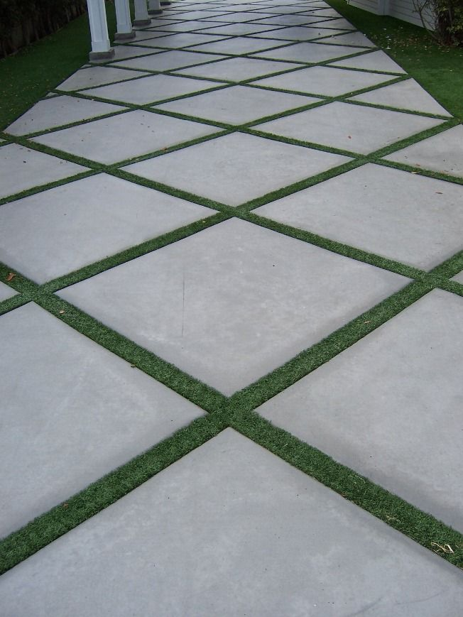 The 2 Minute Gardener Photo Concrete Pathway Accented With Field Turf Gr Driveway Pavers