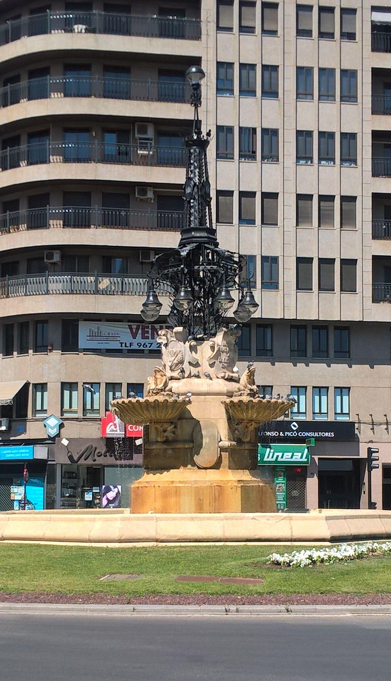 Fuente De Las Ranas Albacete Spain Monumentos Viajes España