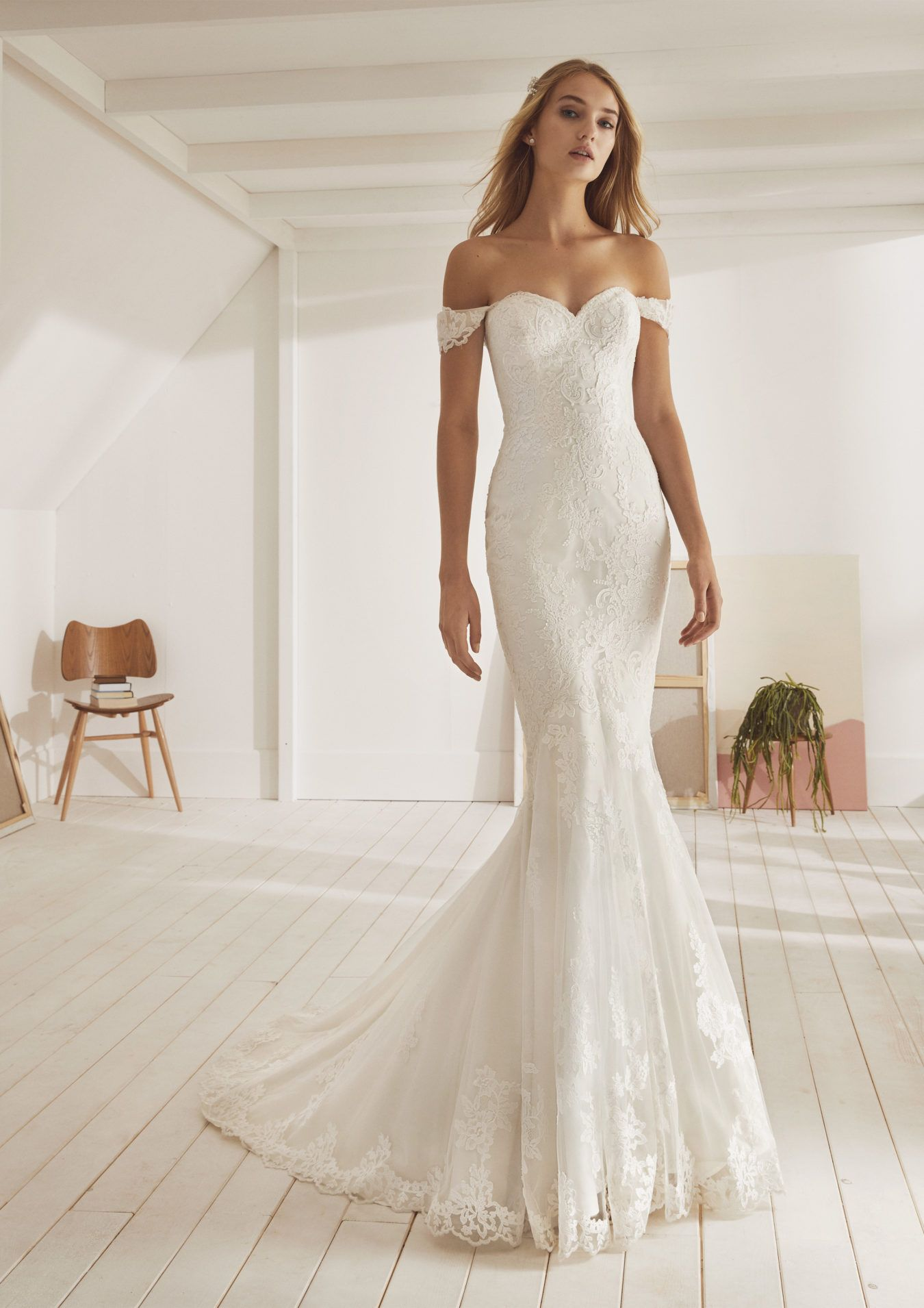 10 Pin Worthy Wedding Dresses You Need To Try On Right Now Wedding Dresses Mermaid Trumpet Wedding Dresses Chic Wedding Dresses [ 1910 x 1350 Pixel ]