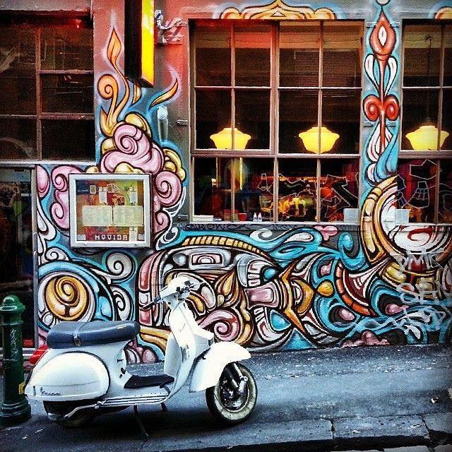 Melbourne street art at it's best in Hosier Lane #movida #hosierlane #melbourne #streetart #melbournestreetart #citylaneways #iheartmelbourne #back2buckley #travelblog #travelblogger