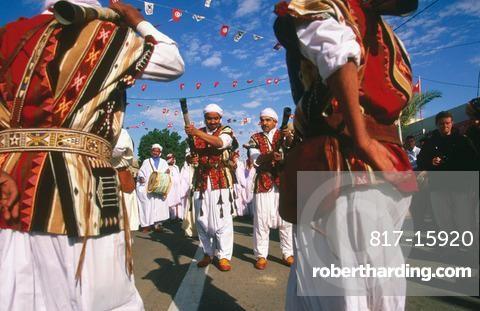 Algerian musician in the Sahara Festival,