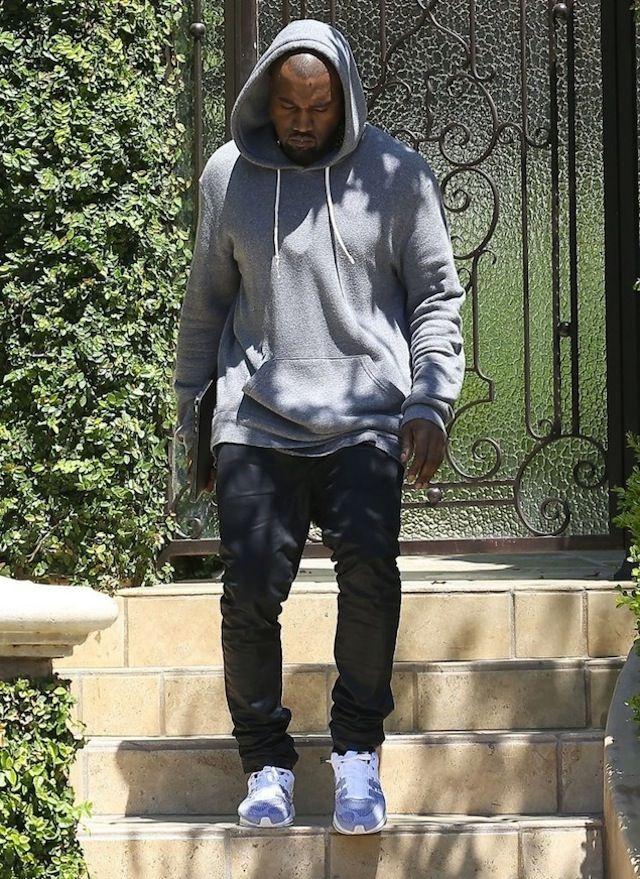 Kanye West Et Kim Kardashian En Nike Flyknit We Love Sneakers Kanye West Style Kanye West Nike Flyknit