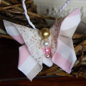 How to make a fabric butterfly. Spring is almost here! #crafts #spring
