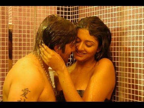 Rakul Preet Singh Hot Romantic Scenes In Bathroom Oops