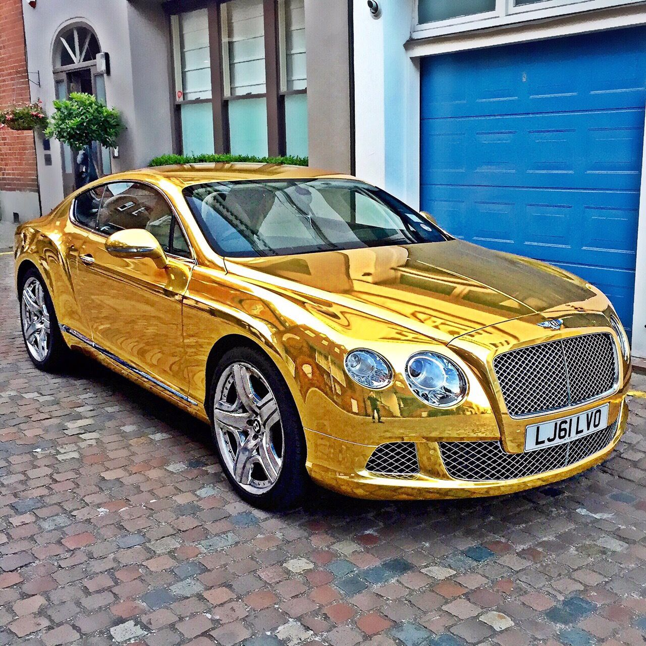 Matte Silver Bentley Awesome: Bentley GT Chrome Gold Wrap