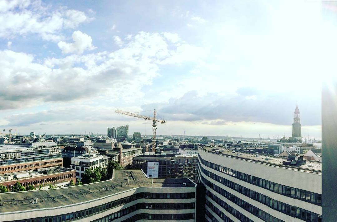 Hamburg Von Oben Mit Elbphilharmonie Und Michel Einnorden Picoftheday In 2020 Paris Skyline Skyline Paris