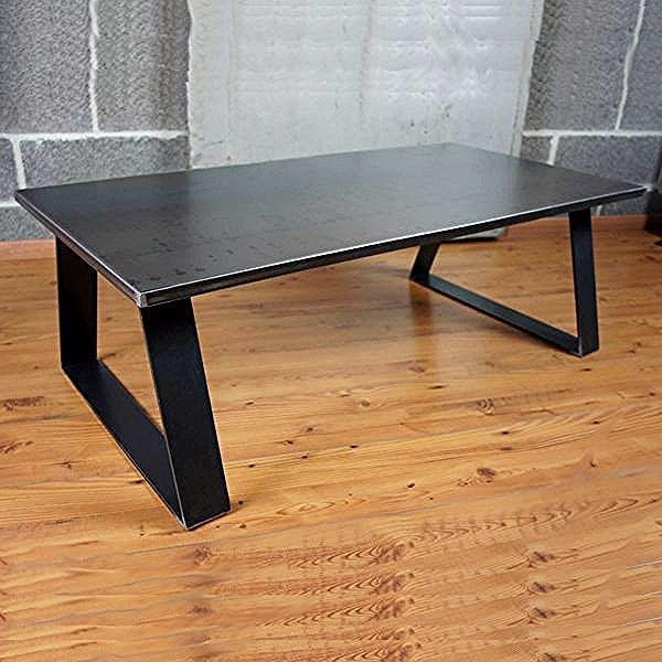 Table Basse Metal Industrielle Purement Loft In 2020 Steel Furniture Metal Furniture Dining Table
