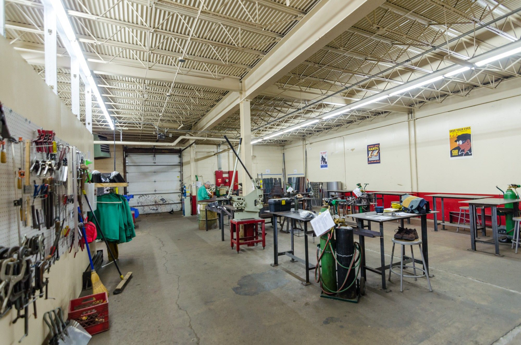 Check Out Chicago Industrial Arts Design Center A Makerspace