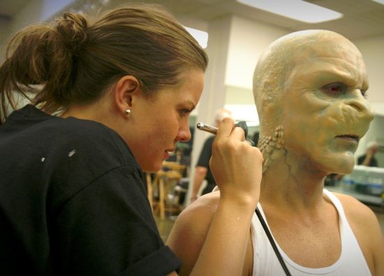 Learn to airbrush Special effects makeup - Special Makeup Effects ...