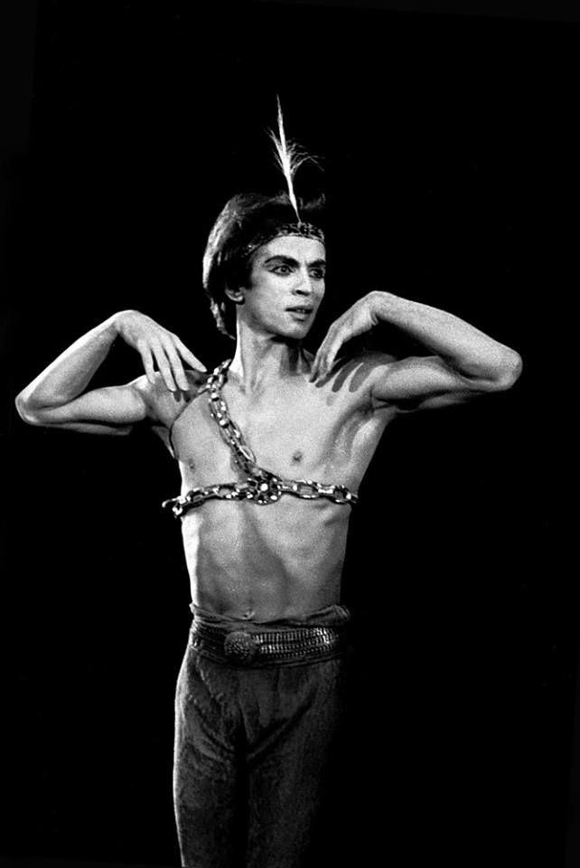 Rudolf Nureyev in Le Corsaire, 1978. © Francette Levieux.