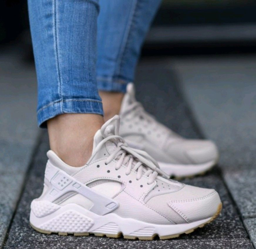 Nike Women/'s WMNS Air Huarache Run Trainers