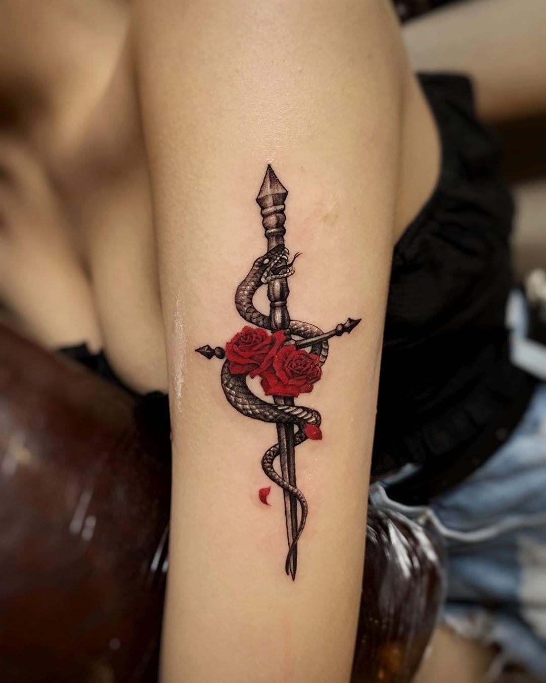 Käärme Tatuointi