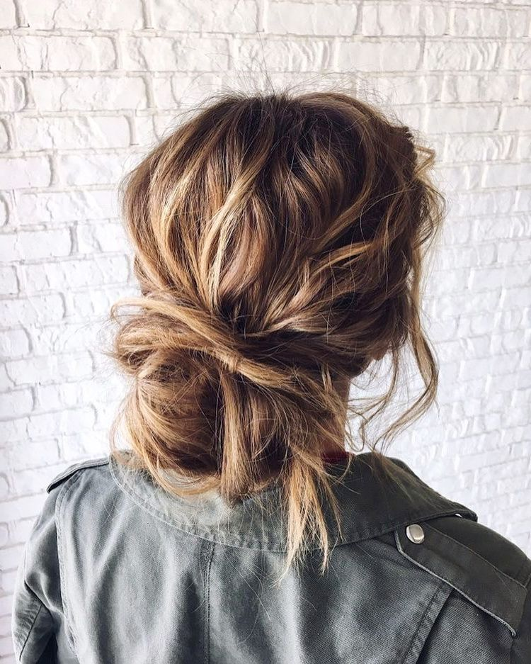 Huge 2020 Hairstyle List The 9 Hottest Trends To Be Obsessed With Ecemella In 2020 Hair Styles Crunchy Hair Fresh Hair