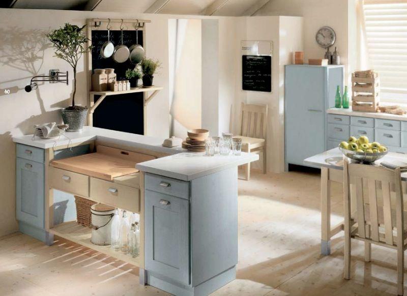 cocina rústica con muebles color azul, suelo parquet