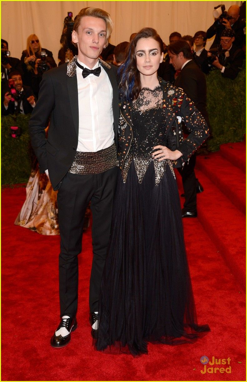 lily collins jamie campbell bower met ball 2013 04, Lily Collins and Jamie Campbell Bower truly are a punk pair at the 2013 Met Gala held at the Metropolitan Museum of Art on Monday night (May 6) in New York City.…