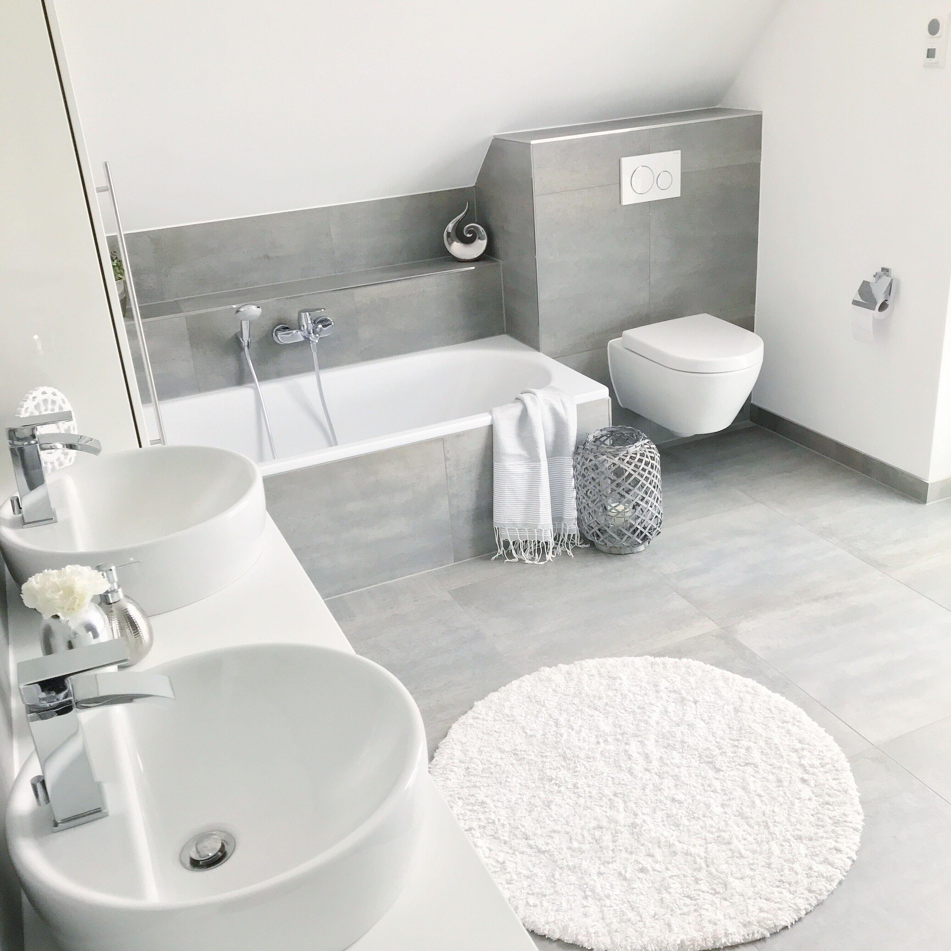 Badezimmer Instagram Wohn Emotion Landhaus Badezimmer Bathroom Modern Grau Weiss Wcinrich In 2020 Badezimmer Badezimmerideen Badezimmer Gestalten