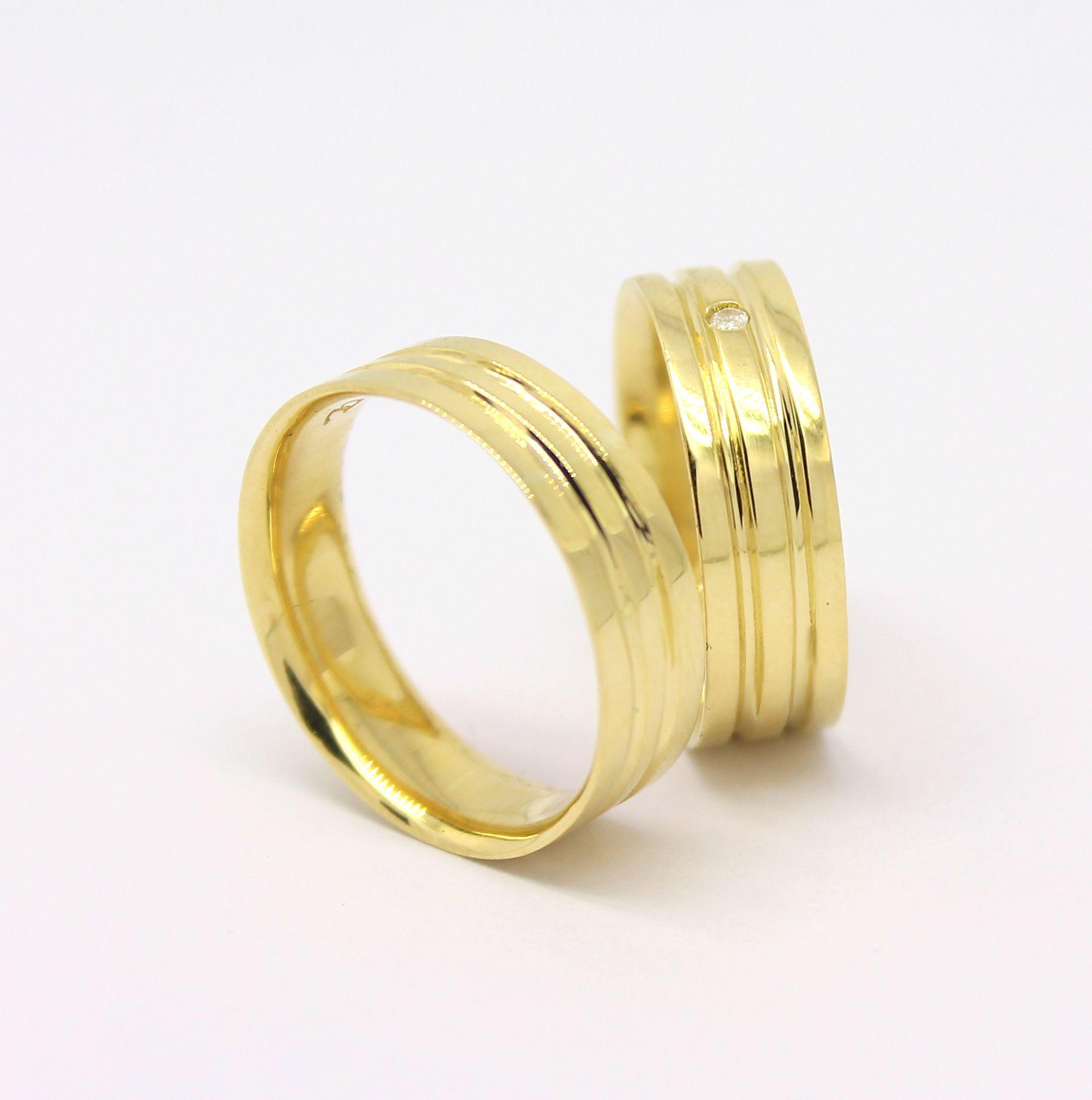 Par de Alianças Dois Frisos Ouro 18k 750   Joias - Jewelry - Jewels ... f53cc7452d