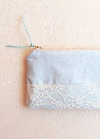 LIL BLUE BUNGALOW / Light blue chambray zipper pouch with lace and cream brass zipper