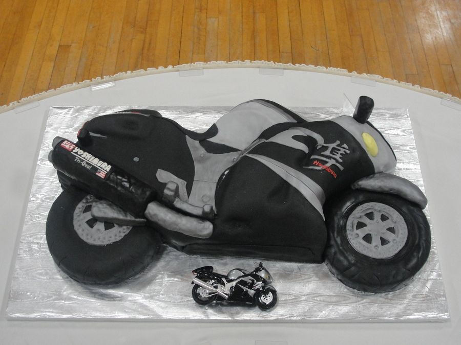 Hayabusa Grooms Cake Someone Would LOOOVE This Future Wedding - Crazy cake designs lego grooms cake design