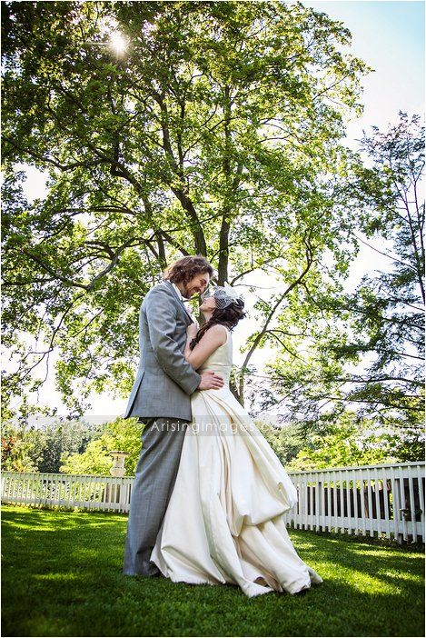 Gorgeous Bride And Groom Photo At The Cranbrook Gardens Wedding