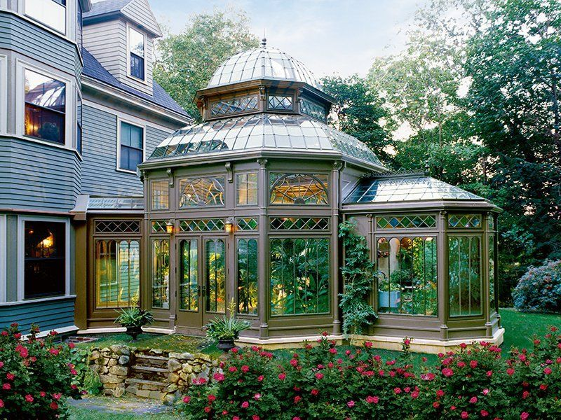 An Elegant Rendition Of The Iconic Victorian Era Glasshouse Created By Tanglewood Conservatories Phot Victorian Conservatory Celebrity Houses Victorian Homes