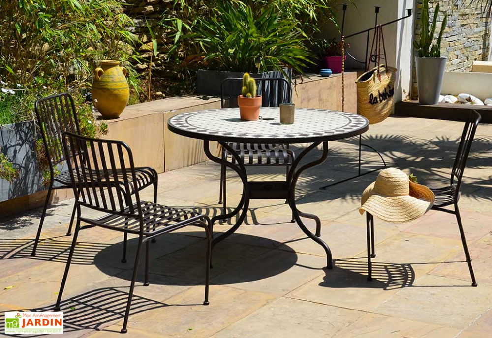 Table De Jardin Ronde En Metal Et Mosaique O 110 Cm Table De Jardin Ronde Table De Jardin Table De Jardin Mosaique