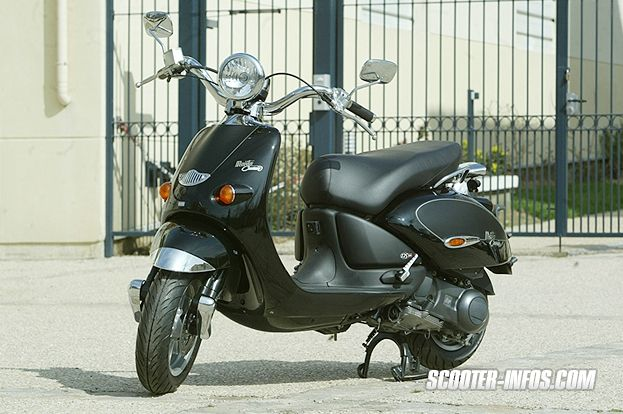 guide d 39 achat du scooter urbain aprilia mojito 125 custom et comparatif scooter infos. Black Bedroom Furniture Sets. Home Design Ideas