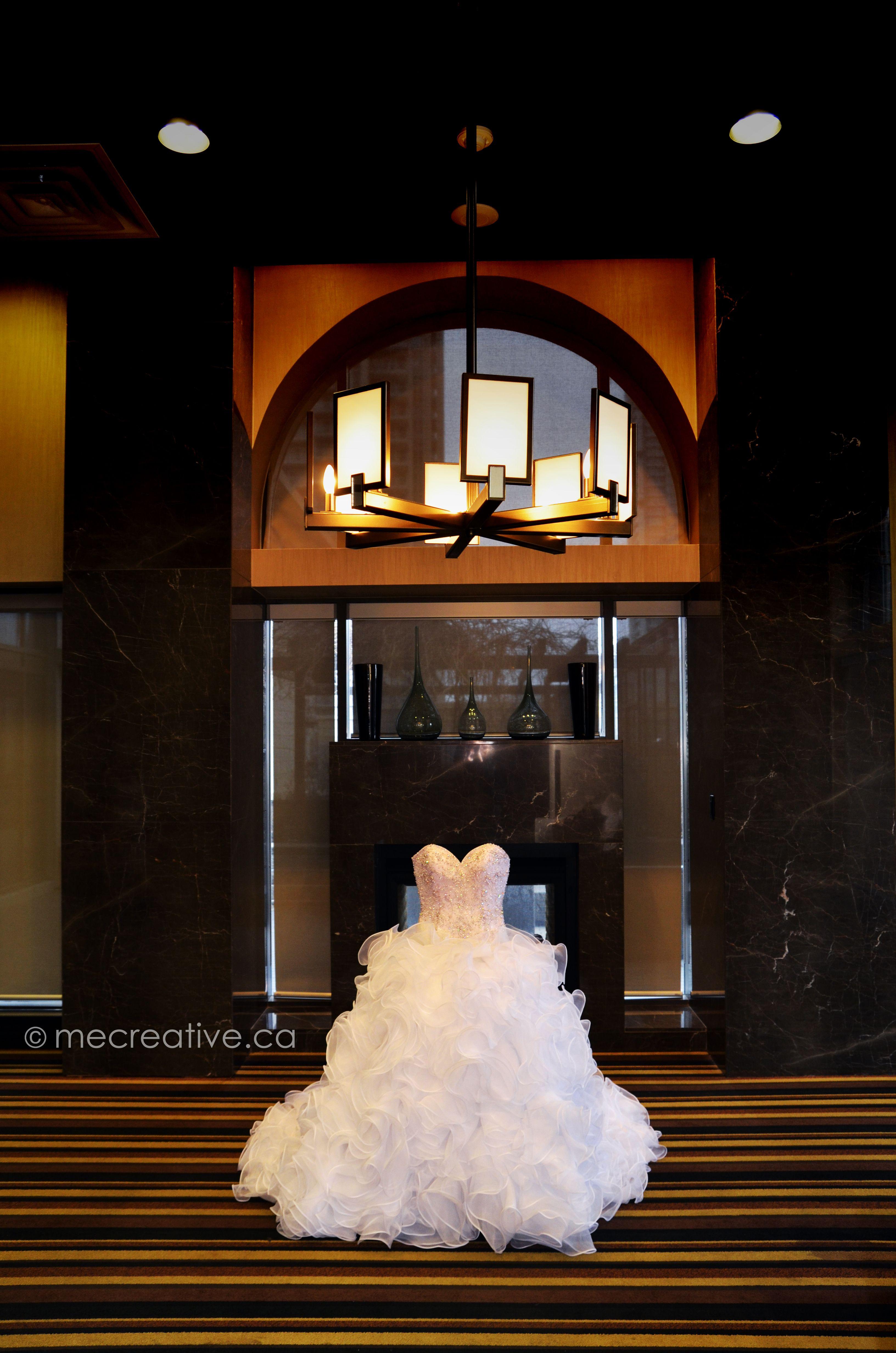wedding dress shot - Mississauga ON - www.mecreative.ca