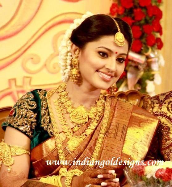 28a0ed43b7 Latest Saree Designs: sneha in her wedding reception saree   sarees ...