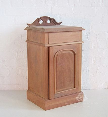 Traditional Victorian Bedside Cabinet / Plain Door Bedside Cabinet / Dutch Connection