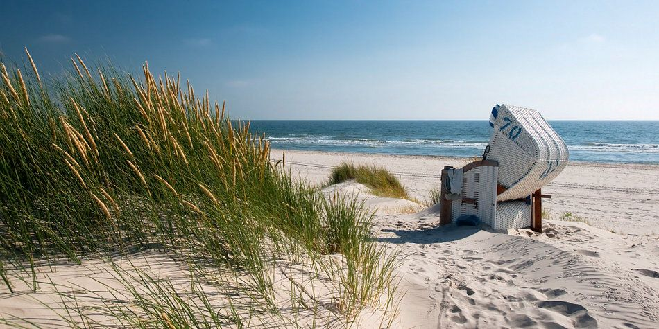 Pro Beach Strandstoel.Noordzee Strandstoel Met Stralend Duingras Van Reiner Wurz