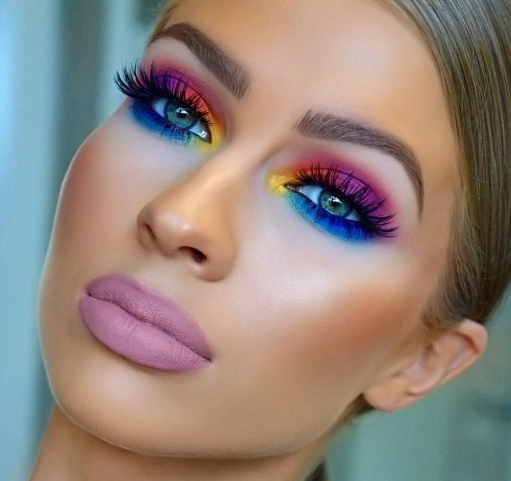 Summer Makeup Inspirierende und trendige Ideen zu Gunsten von verknüpfen Look