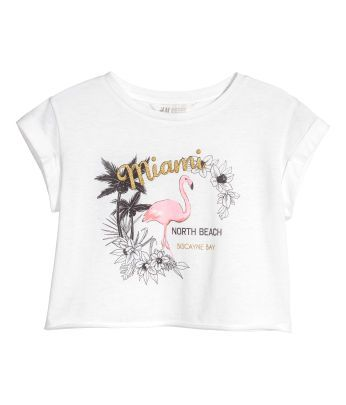 7e5405a55 Discover our range of girls 8 for girls, age 8y - 14y. You will always find  the latest trends and styles at H&M. Shop online or in-store.