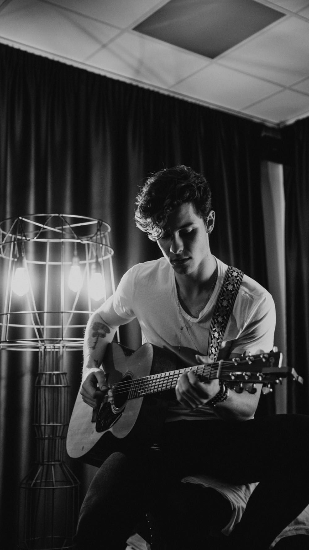 Instagram stories data base - Saved stories of @shawnmendes