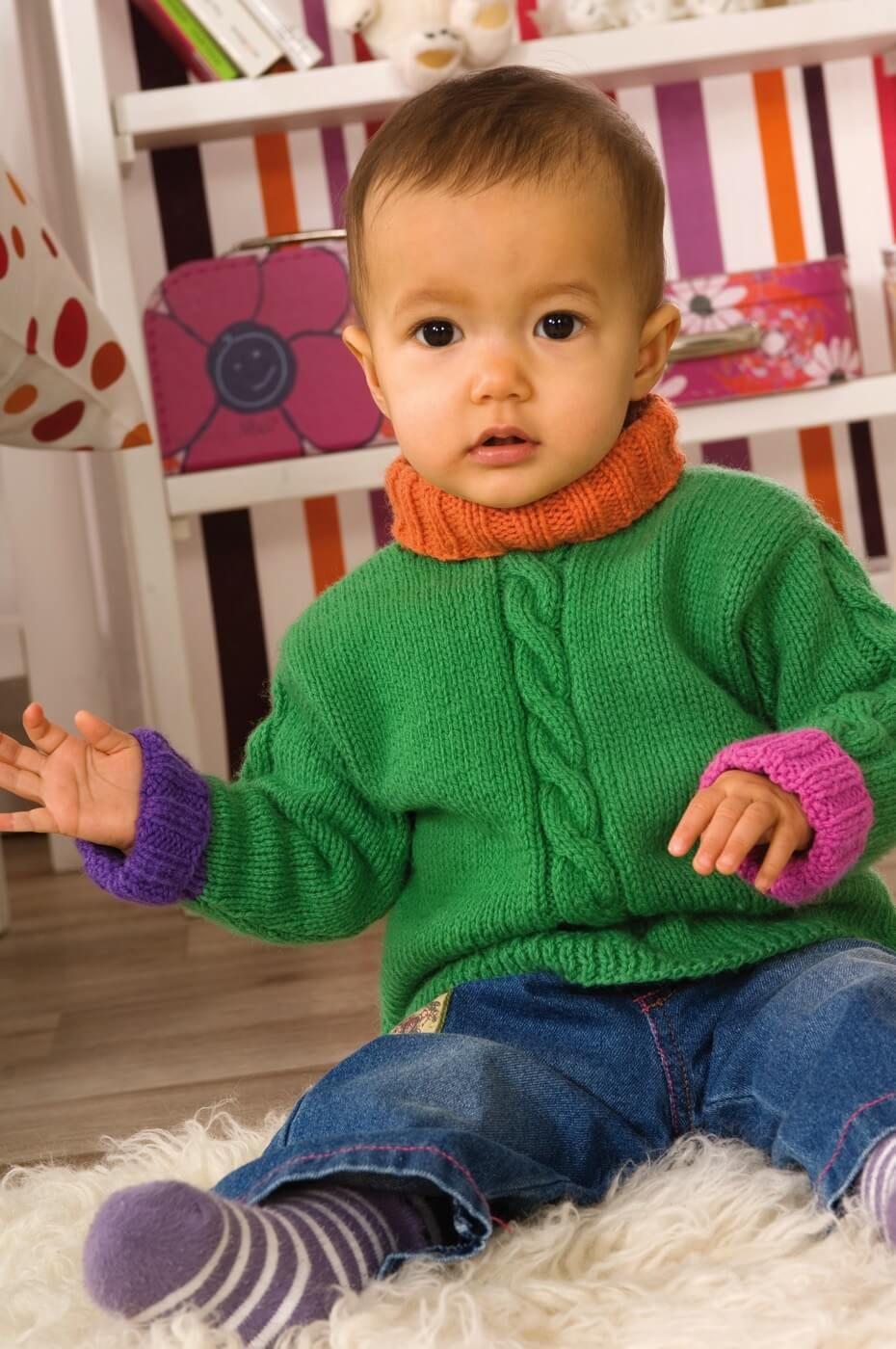 Photo of Gestrickter Kinderpullover mit Kabelmuster – kostenlose Strickanleitung