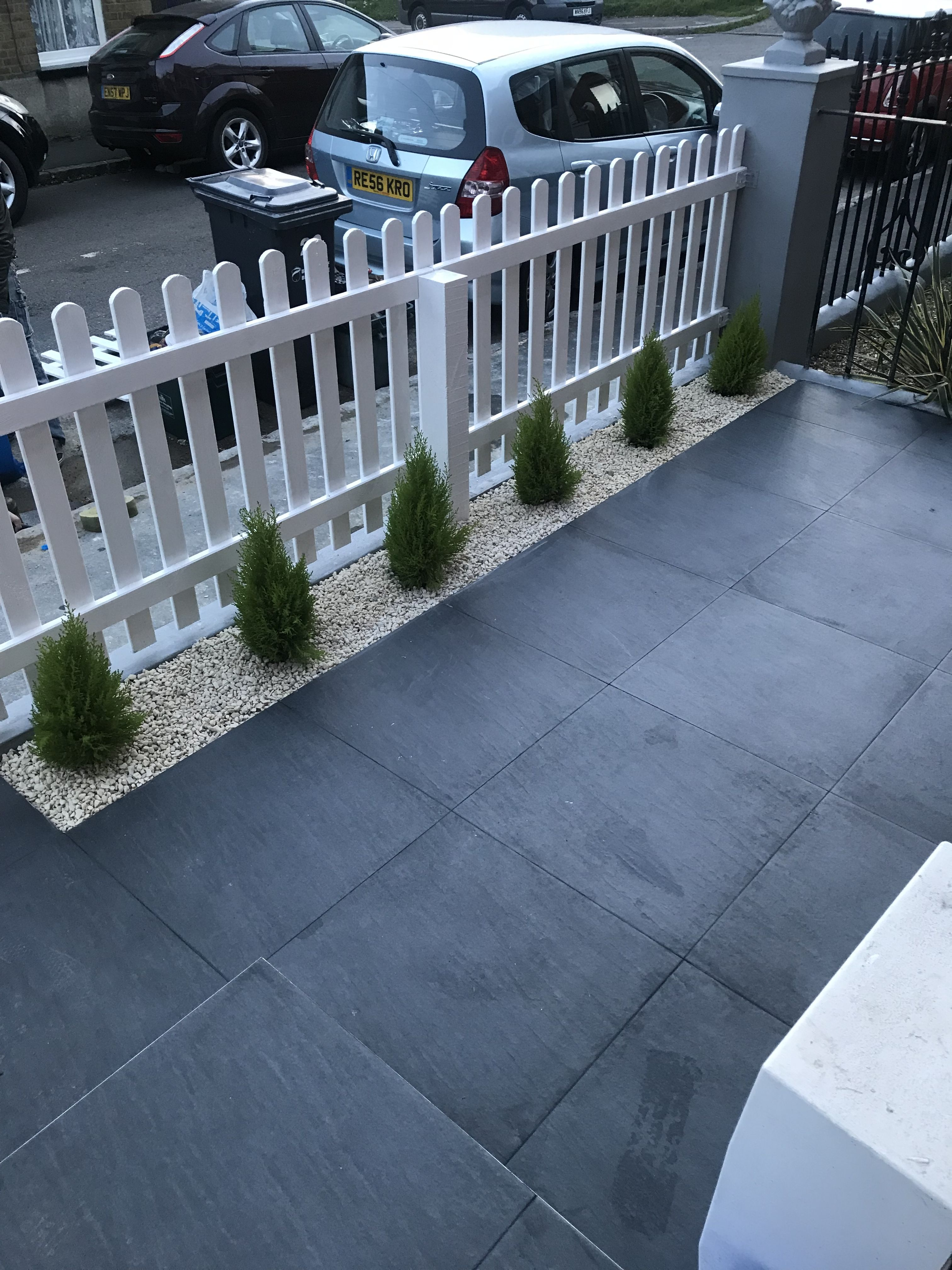 Tiled Front Garden White Picket Fence Terraced House Front Garden Ideas Driveway Small Front Gardens Garden Ideas Driveway