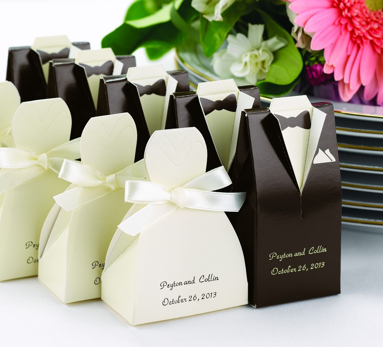 Great favour boxes for your wedding, personalized with your names ...