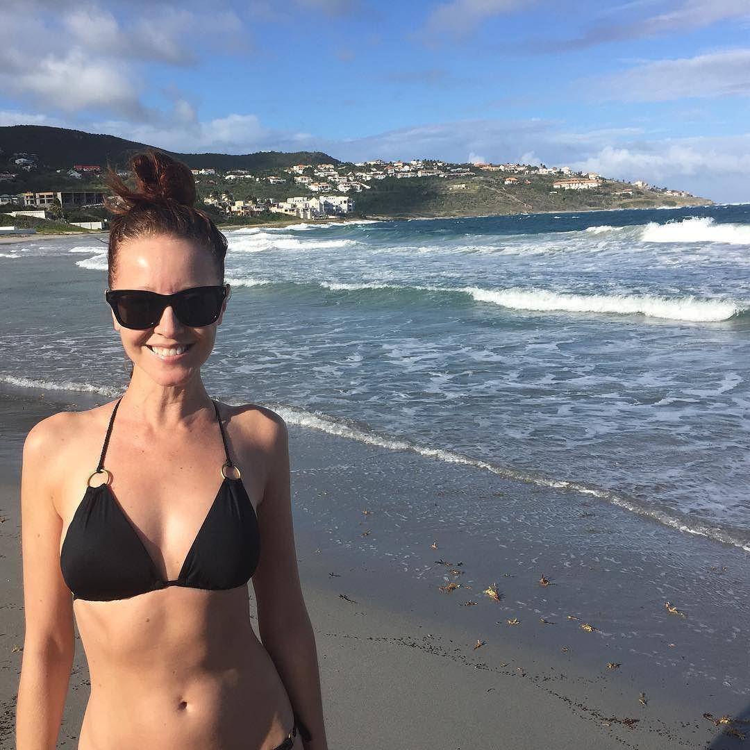 Lindy booth bikini