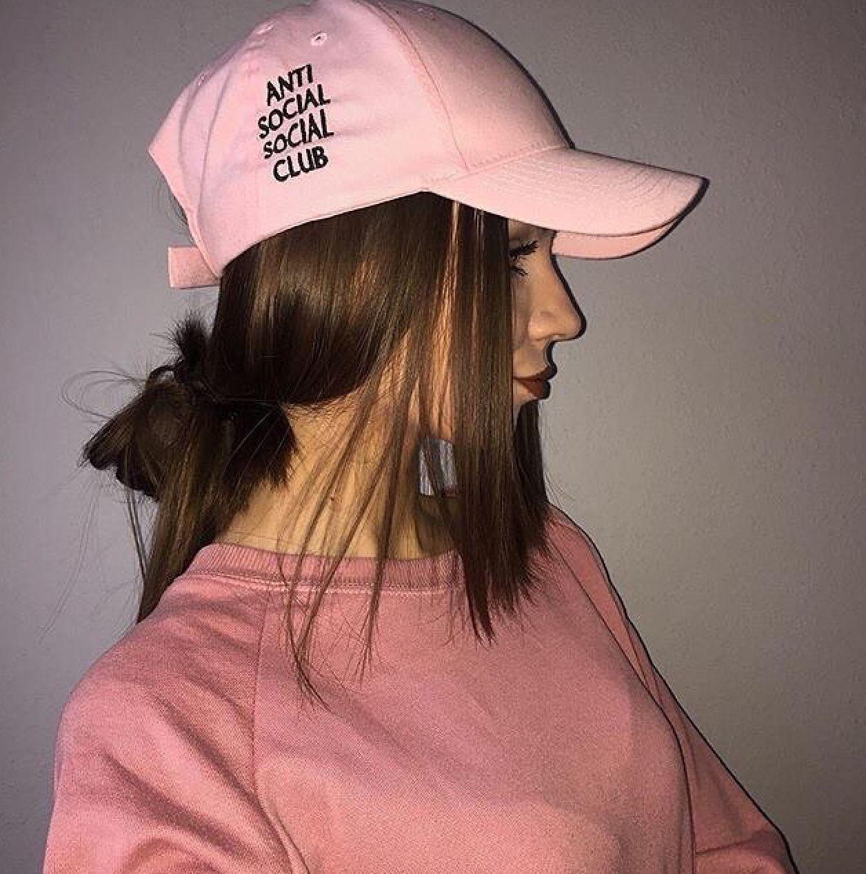 Tumblrgirls Girls Girl Model Inspirations Tumblr Pinterest Glamitalex Instagram Glamitalex Pink Hat Pinkhat Fashion Girl Fashion Outfits