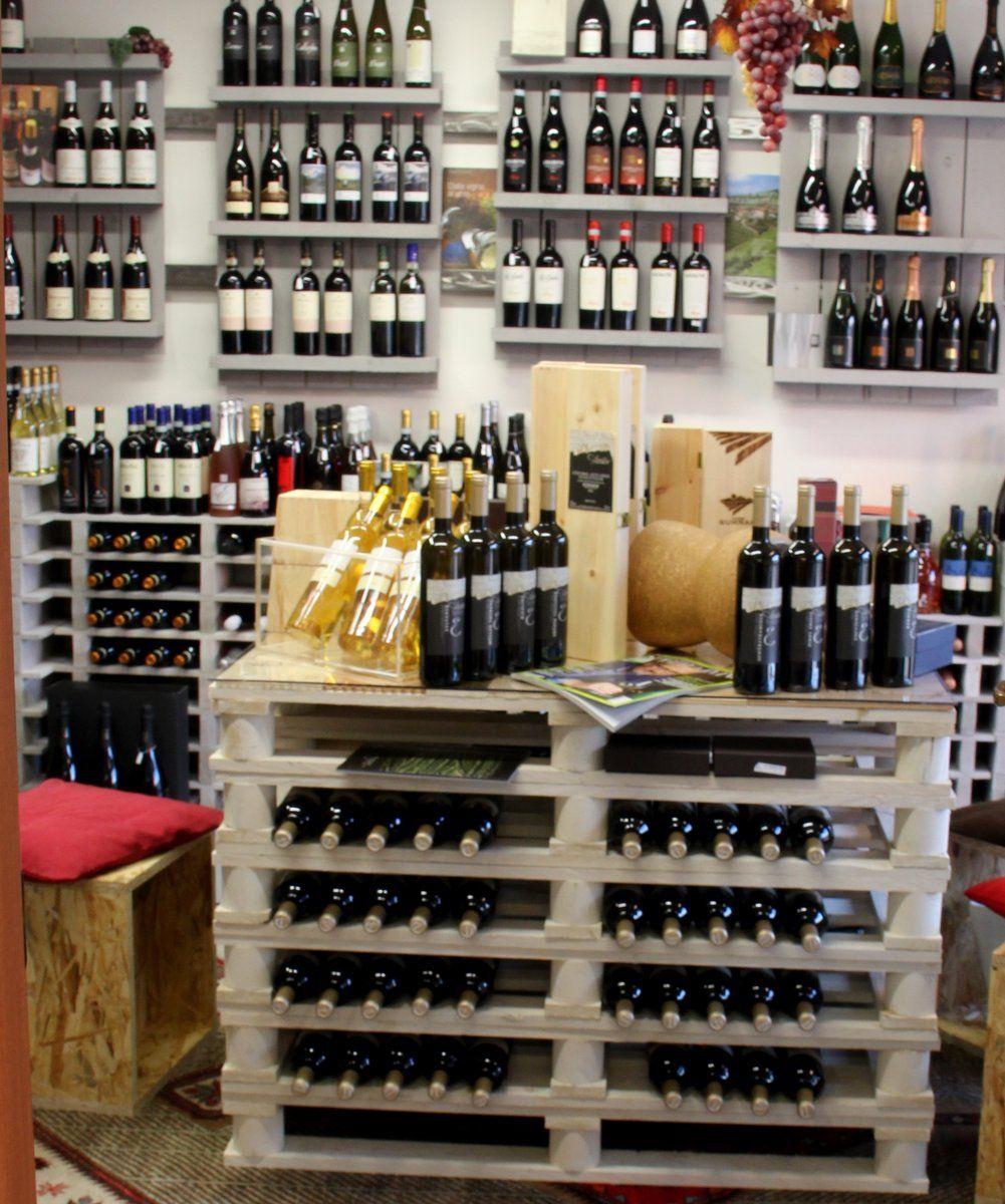 Scaffale enoteca arredo con pallet vino e di tutto di for Pallet arredamento