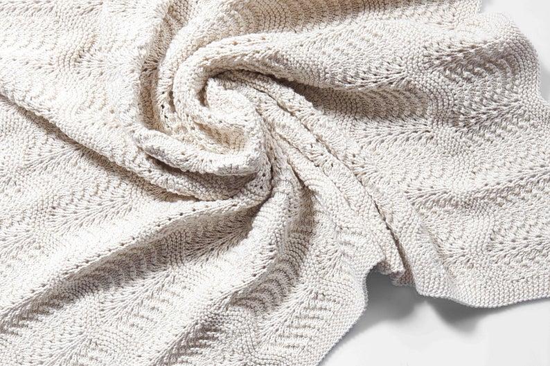Hand Knitted Organic Baby Blanket Panosundaki Pin