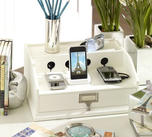 Recharge station, perfect to keep your office components connected without sacrificing style.
