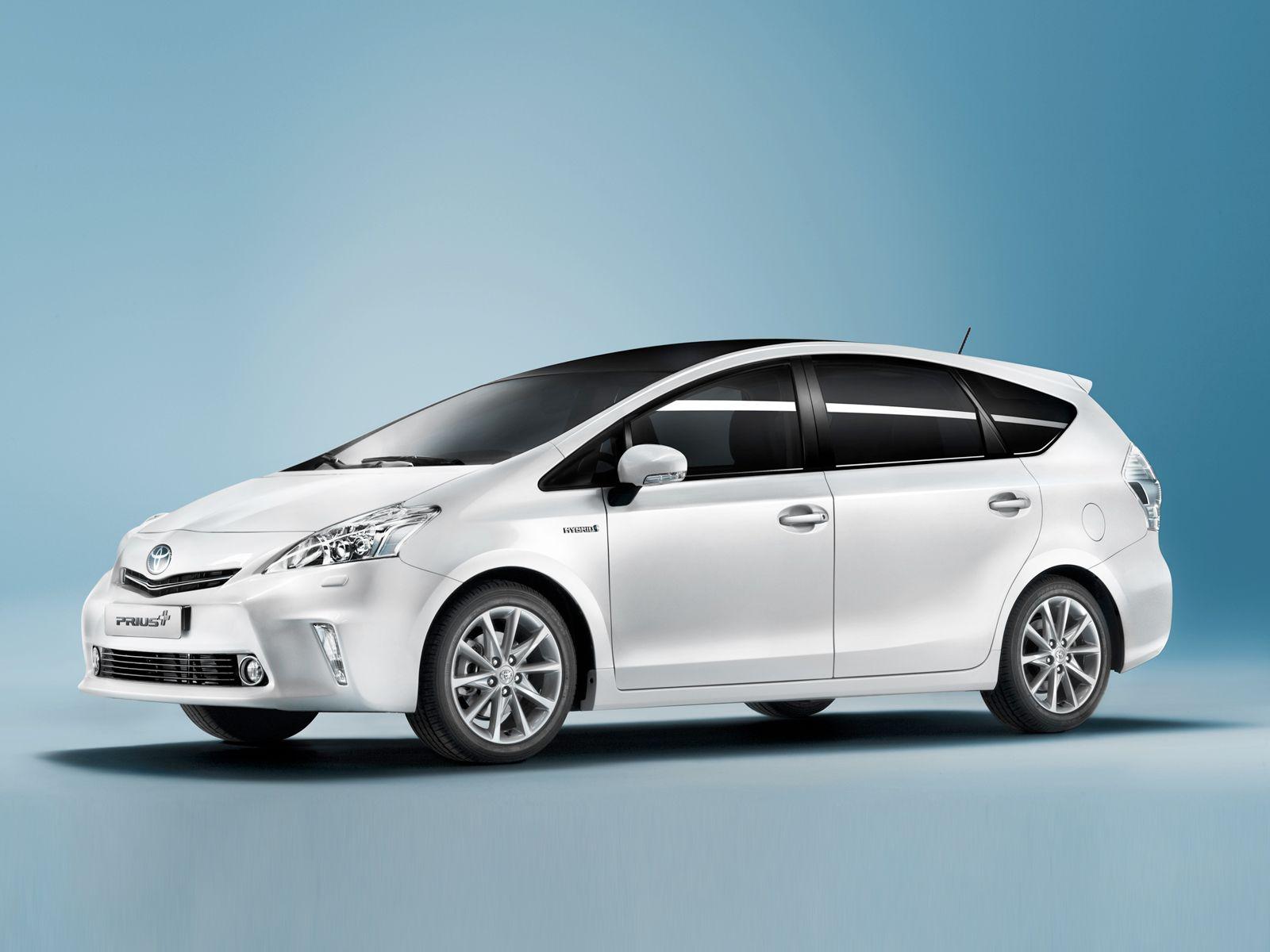 Toyota Prius Plus Wallpaper